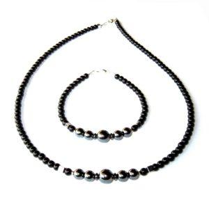 Composition-Bracelet-Collier-en-Hematite-et-en-Agate-noire-1