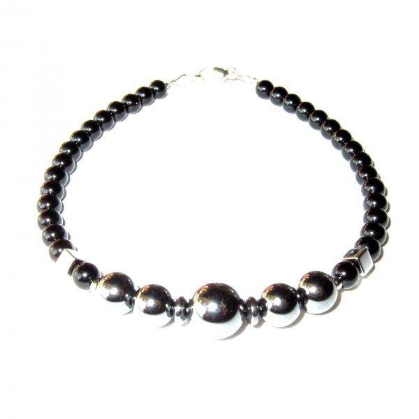 Composition-Bracelet-en-Hematite-et-en-Agate-noire-1