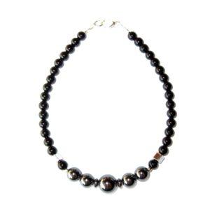 Composition-Bracelet-en-Hematite-et-en-Agate-noire-2