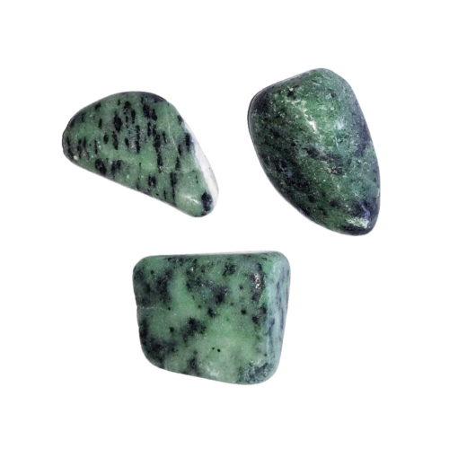 pierre roulée rubis sur zoïsite