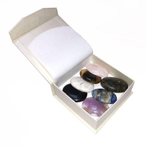 coffret pierres pouces 7 chakras