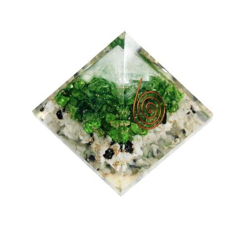 pyramide-orgonite-pierre-de-lune-selenite-onyx-verte-60-70mm-01