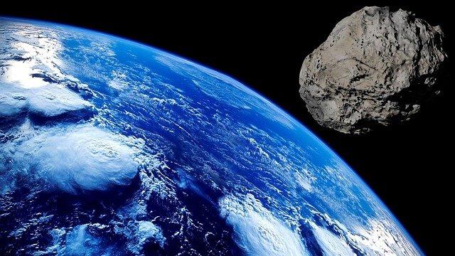 météorite lunaire